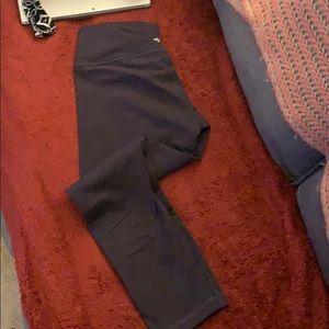 Lululemon plum size 10 yoga pants